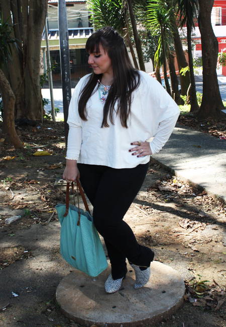 Blusa plus size flaminga e chelsea boot