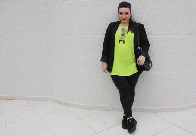 legging e camisa plus size