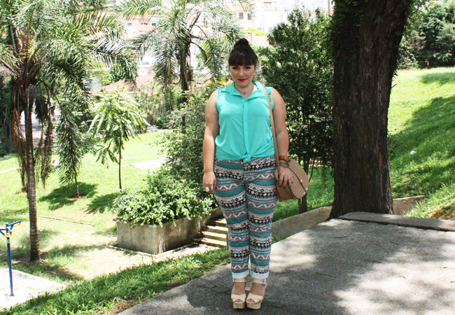 calca-plus-size-estampa-etnica