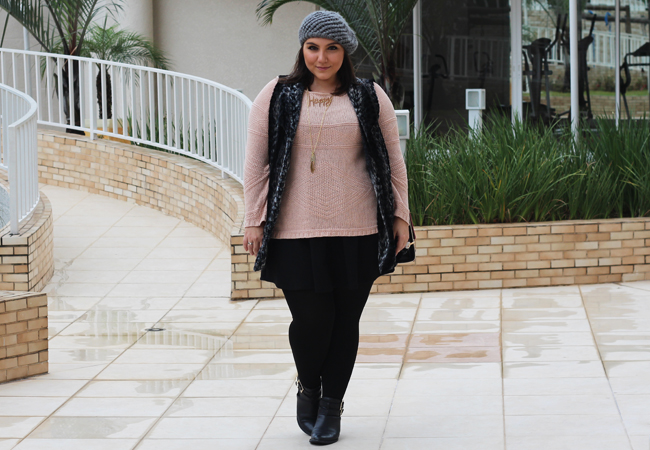 look-plus-size-ankle-boot-colete-saia