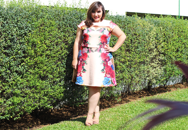 gorda de vestido plus size estampado final