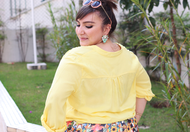 short saia estampado e camisa plus size
