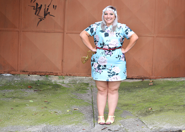 look plus size para o carnaval na kiss flower
