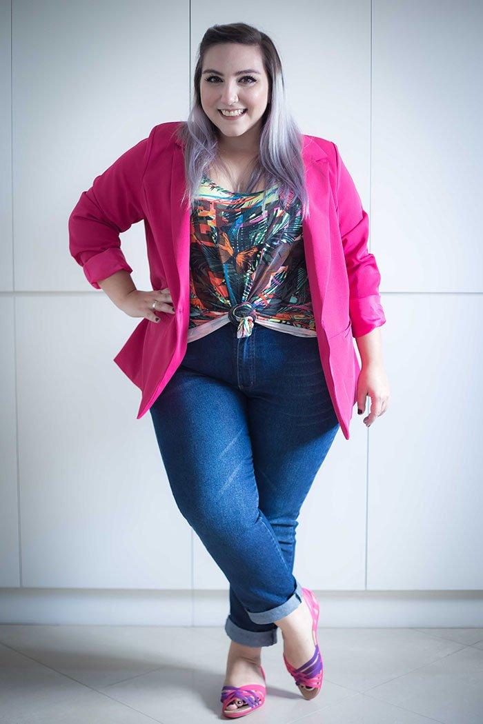 sapato-crocs-com-jeans-blazer-plus-size-ju-romano-2