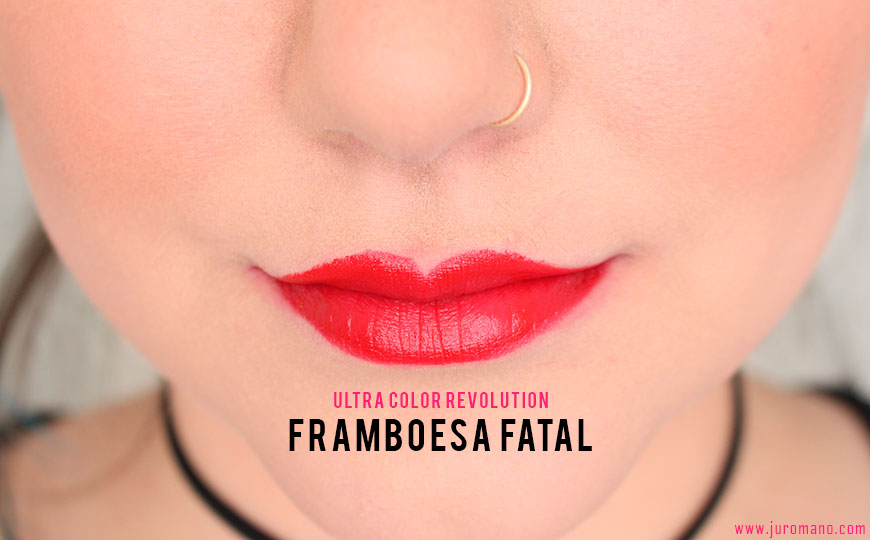 batom-em-gel-ultra-color-revolution-framboesa-fatal-na-boca