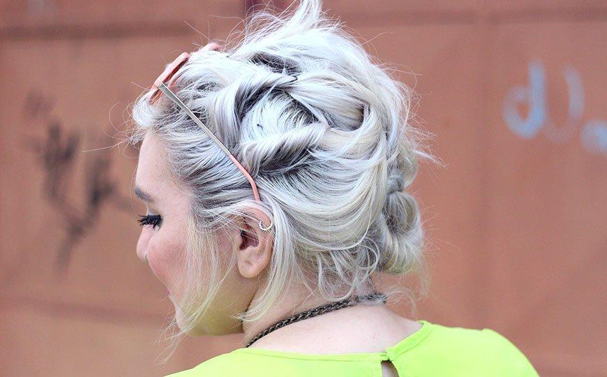 cabelo-platinado-penteado-torcidinho